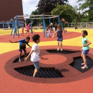 Let's jump! Unser neuer Sportplatz ist fertig